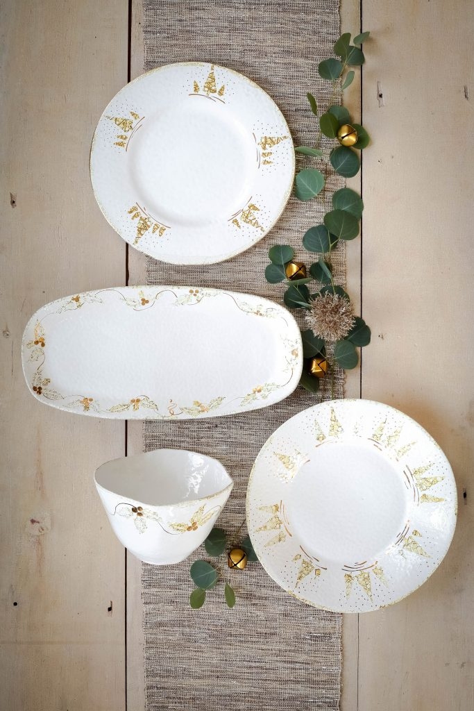 Perla Natale Dinnerware Collection